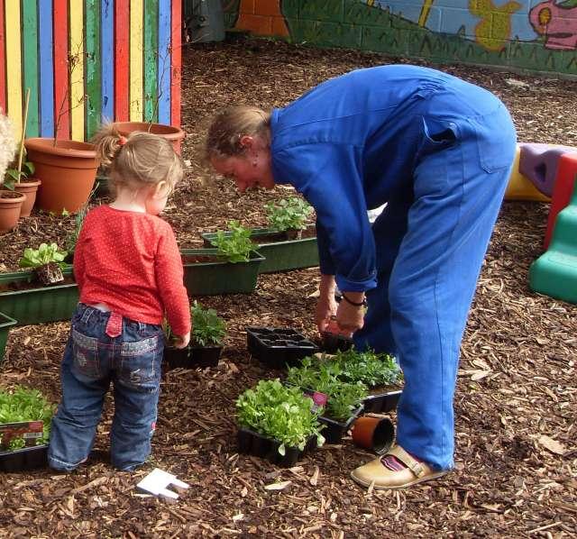 Gardening - Outdoor-Creche 015